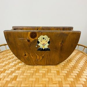 VINTAGE | Wooden Cow Print Paper Plate Holder